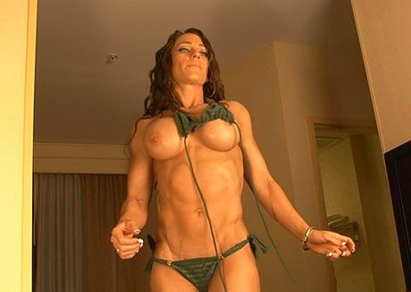 beautiful nude female fitness models