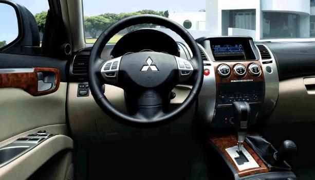 2020 Mitsubishi Montero Specs, Price, and Rumors