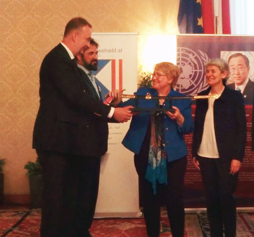 Founder USCBS Honored