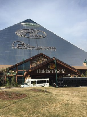 20 bass pro pyramid from outside
