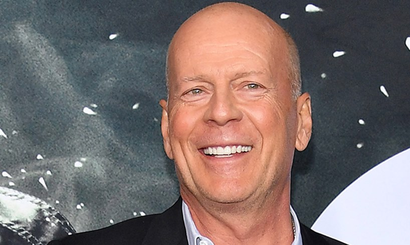 Bruce Willis Apologizes For Not Wearing Mask