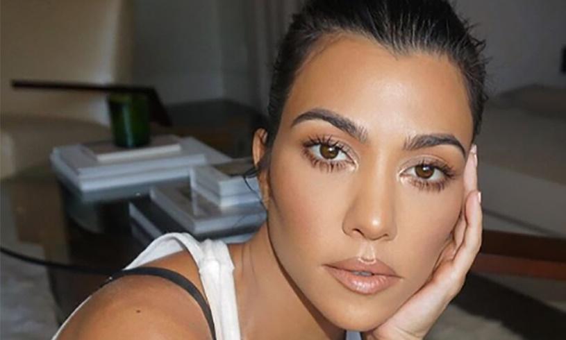 Kourtney Kardashian Travis Barker Love Notes