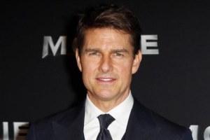 Tom Cruise Daughter Bella Posts Rare Selfie