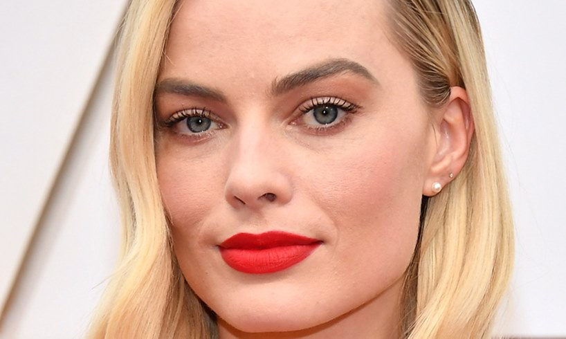 Margot Robbie Explains How She Looks So Amazing In These Bikini Photos - US Daily Report