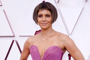 Halle Berry Choppy Oscar Bob Haircut Photo Boyfriend Van Hunt