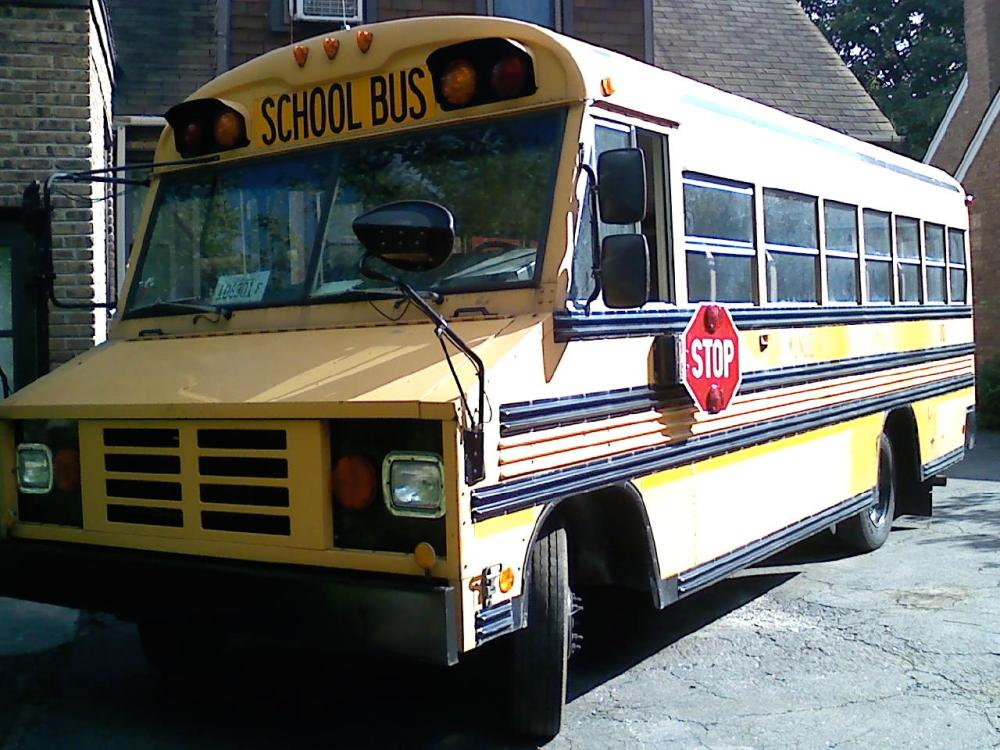 medium resolution of gmc blue bird mini bus 1997 p3500 it has an automatic transmission engine v8 great tires and has heat that works gasoline all fluids lights