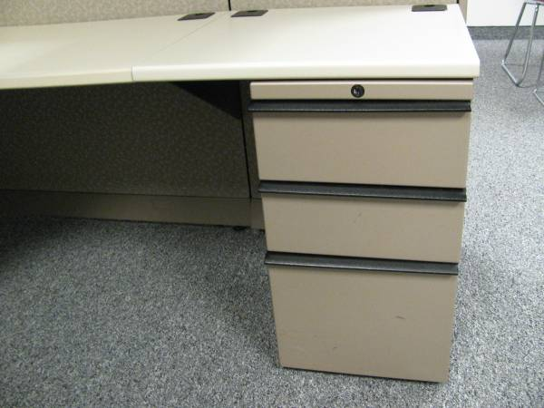 Knoll Morrison 6x6 Cubicles 56H in Chicago Illinois2
