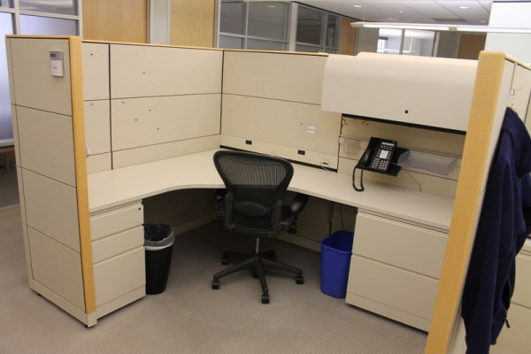 Used Knoll 6x8 Reff Cubicles in Denver4