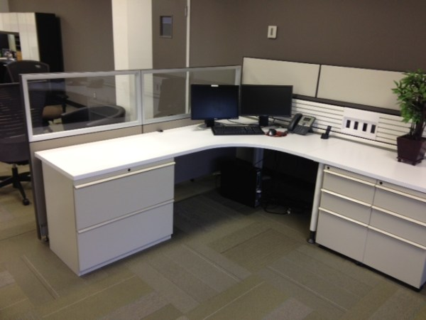 Used Knoll Currents and Morrison Cubicles3