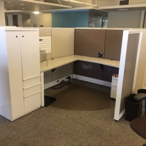 Knoll Dividends Cubicles With Storage Tower