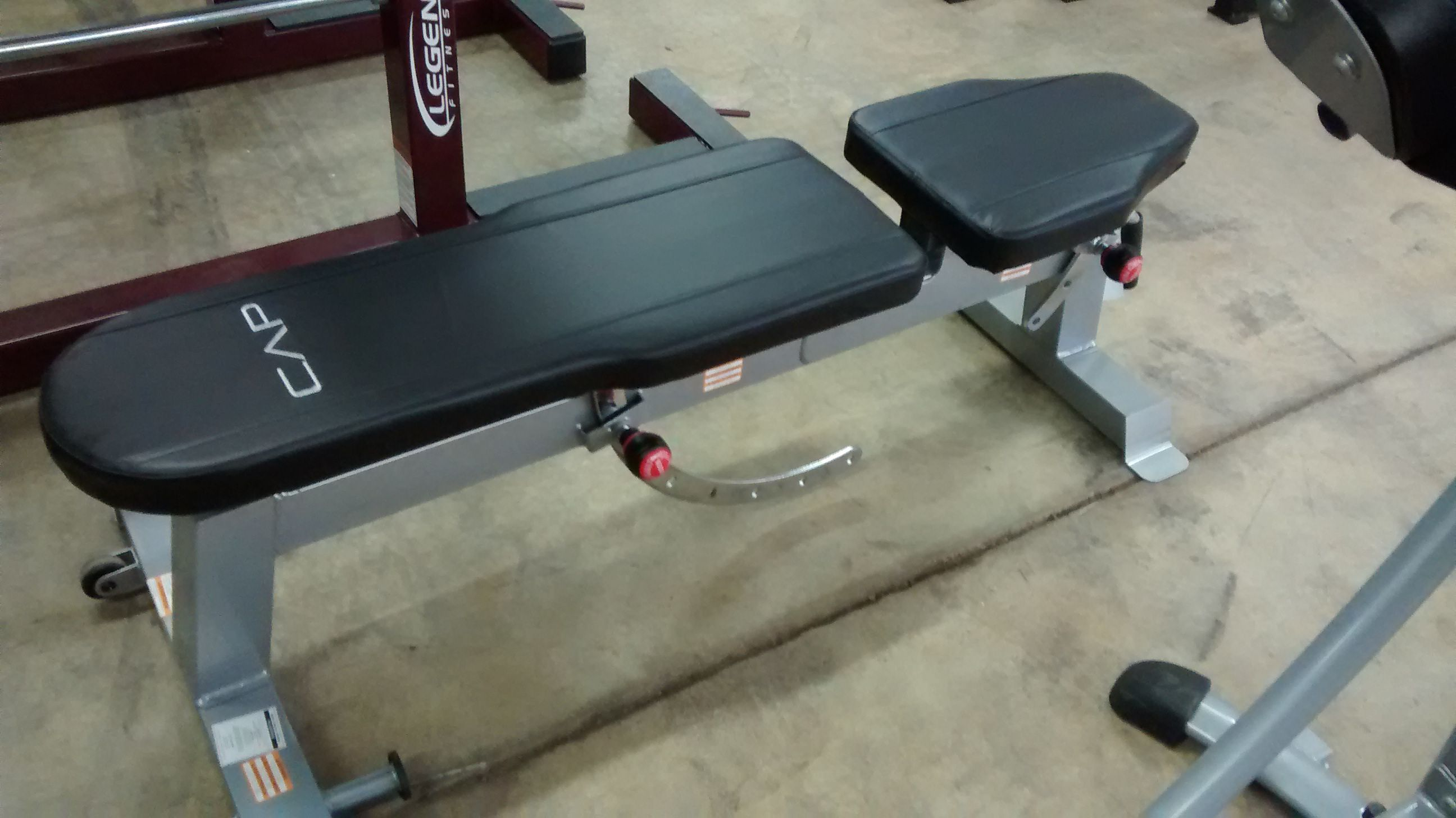Cap Adjustable Flat To Incline Bench