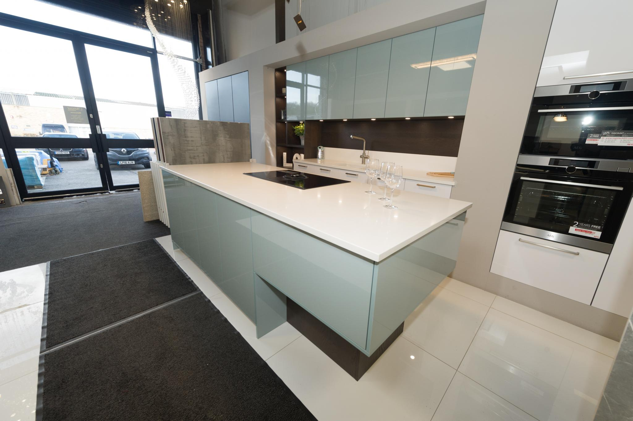 Ex Display Kitchen Modern Hacker Systemat High Gloss South Used Kitchen Exchange