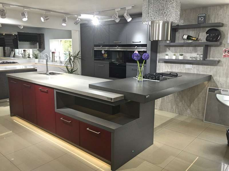 Hacker AV5020 Kitchen Matt Lava Grey Amp Wine Red With Silestone Worktop 00227 Used Kitchen Hub
