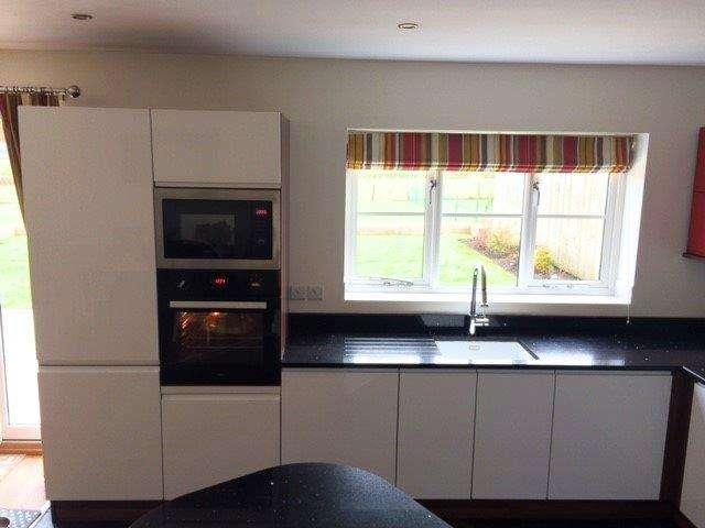 Gloss White Amp Red Kitchen Speckled Black Quartz Worktops Utility Room