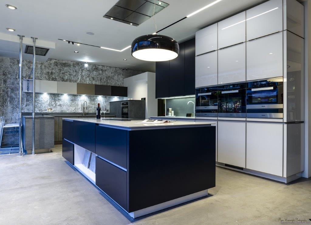 Alno Star Kitchen Matt Blue Ultra White Glass