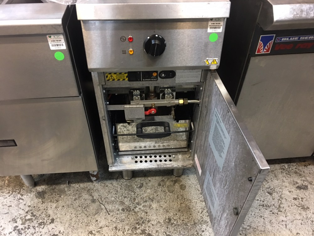 medium resolution of falcon natural gas fryer g401f we have 3 of these price for 1 only