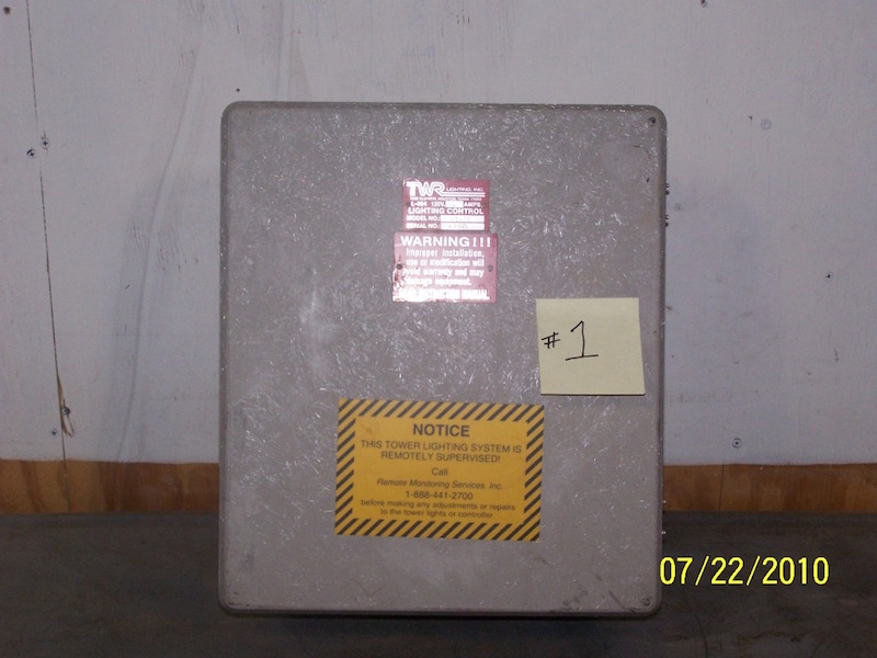TWR LIGHTING CONTROL BOX L-864 AA1-M & TWR LIGHTING CONTROL BOX L-864 AA1-M - Usedtowers