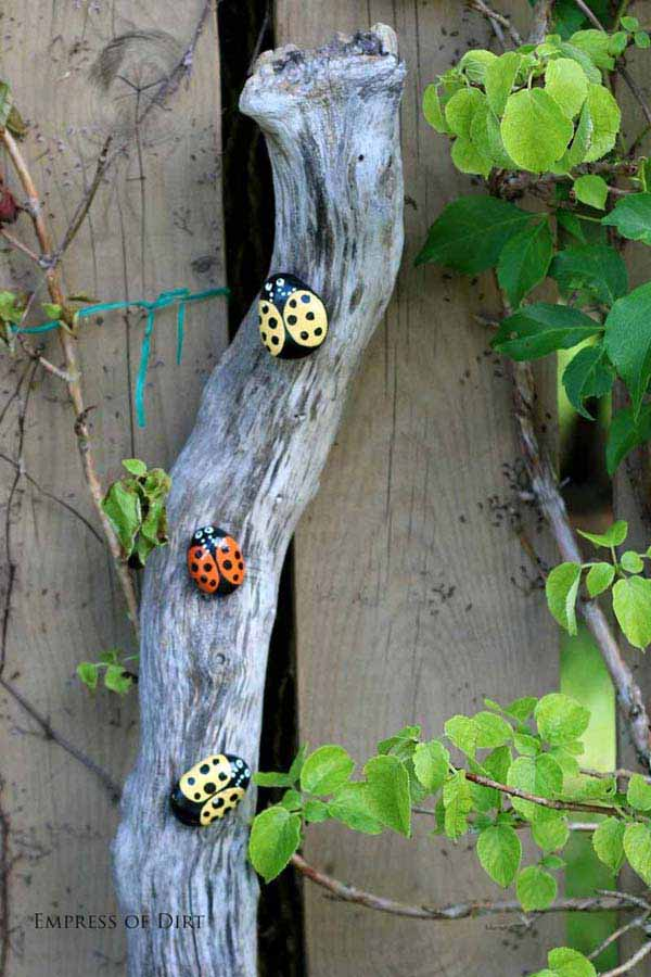 21 Lovely DIY Decor Ideas Emphasized by Creative Pebbles Art  usefuldiyprojects.com crafts (15)