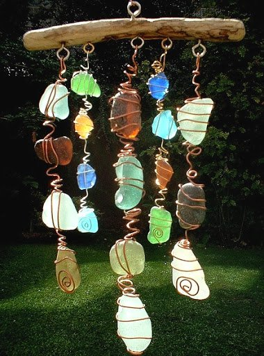 21 Mesmerizing DIY Projects That Will Beautify Your Garden This Summer usefuldiyprojects.com backyard (19)