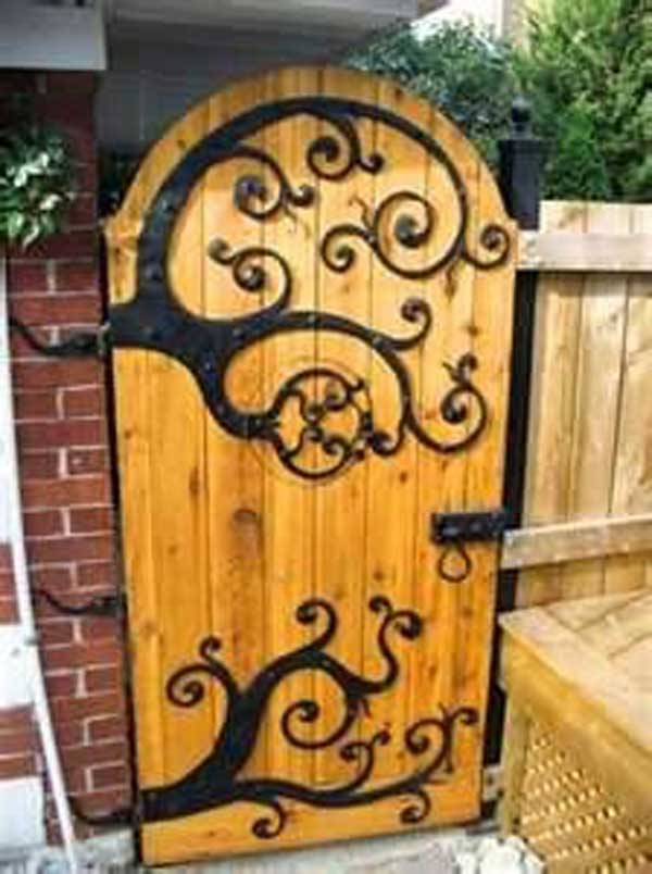 22 Insanely Charming Garden Gate DIY Projects Protecting Greenery in Style usefuldiyprojects.com outdoor space decor (18)