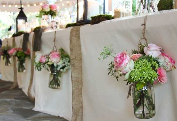 27 Magnificent and Splendid Hanging Mason Jars DIY Projects Beautifying The World usefuldiyprojects.com decor ideas (5)