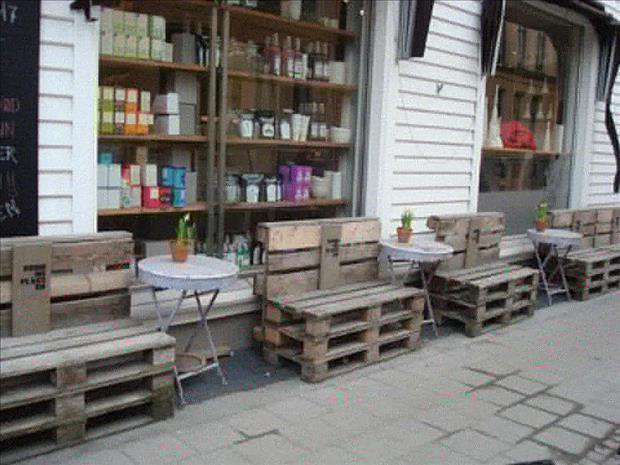 28 Incredible Methods of Recycling Old Pallets Into Creative Furniture Designs-usefuldiyprojects.com (5)