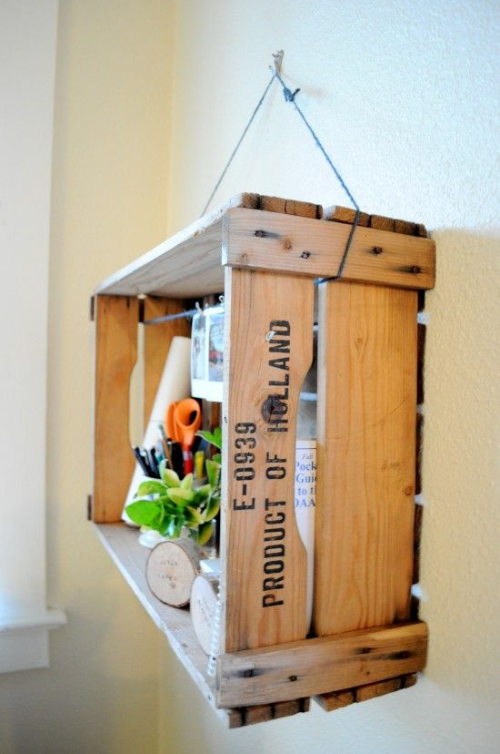29 Ways to Decorate With Wooden Crates usefuldiyprojects.com decor ideas (6)