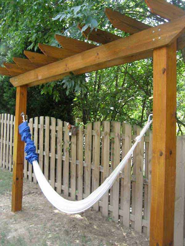 31 Ingeniously Cool Ideas to Upgrade Your Patio This Season usefuldiyprojects.com decor ideas (26)