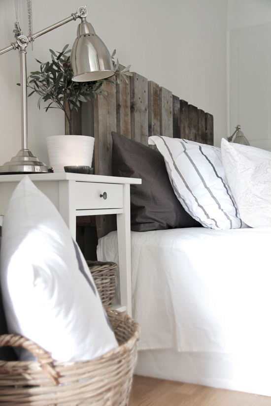 33 Insanely Smart and Creative Wooden Pallets Recycling Ideas Worth Doing usefuldiyprojects.com decor (21)