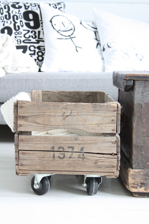 33 Insanely Smart and Creative Wooden Pallets Recycling Ideas Worth Doing usefuldiyprojects.com decor (29)