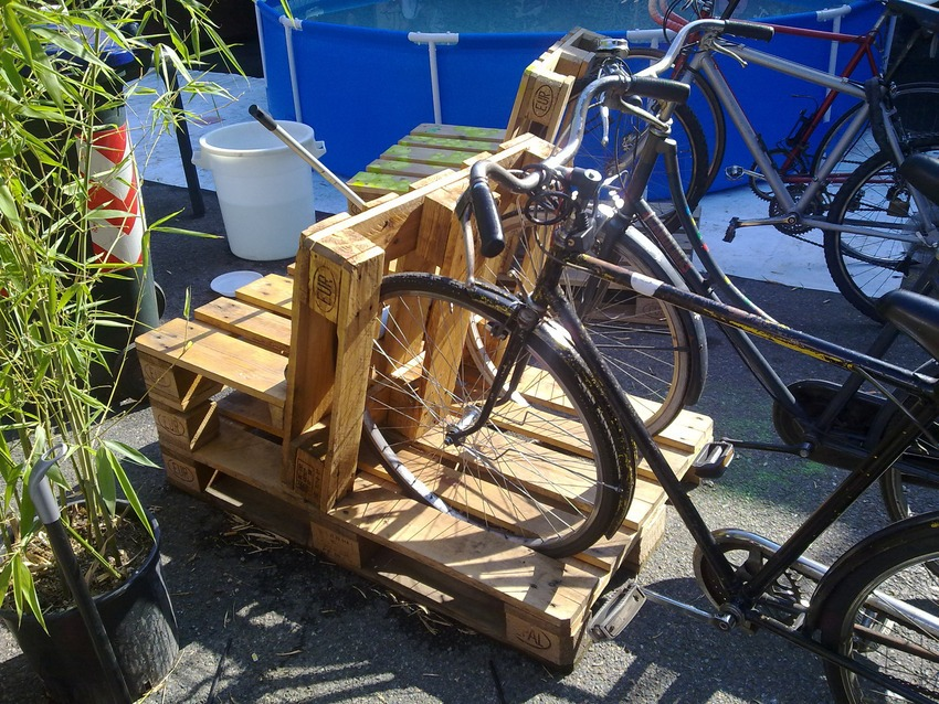 33 Insanely Smart and Creative Wooden Pallets Recycling Crafts Worth Doing usefuldiyprojects.com decor