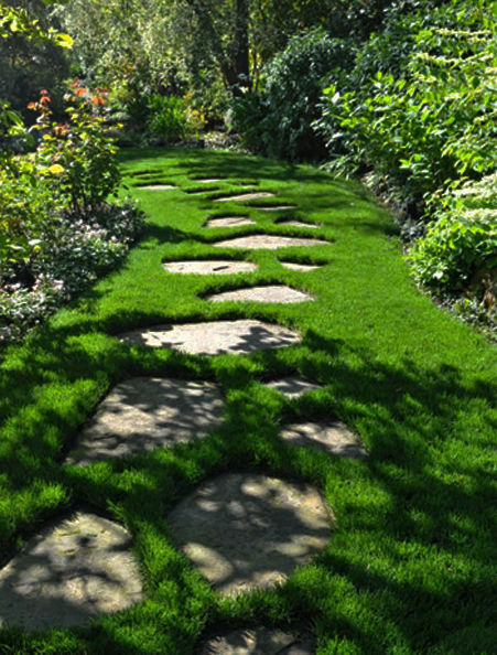 37  Beauteous and Alluring Garden Paths and Walkways For Your Little Drop of Heaven usefuldiyprojects (19)