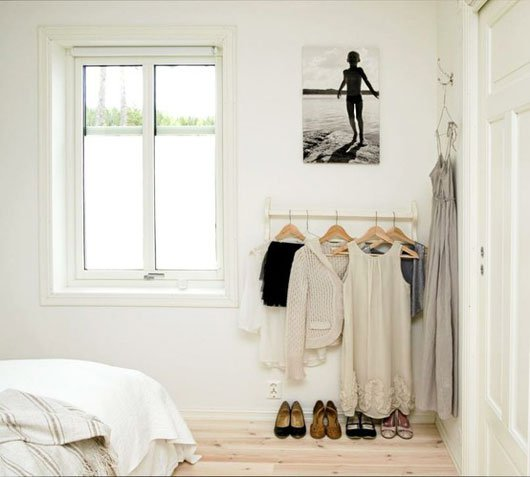 Clothing Storage Solutions For Small Spaces-usefuldiyprojects (24)