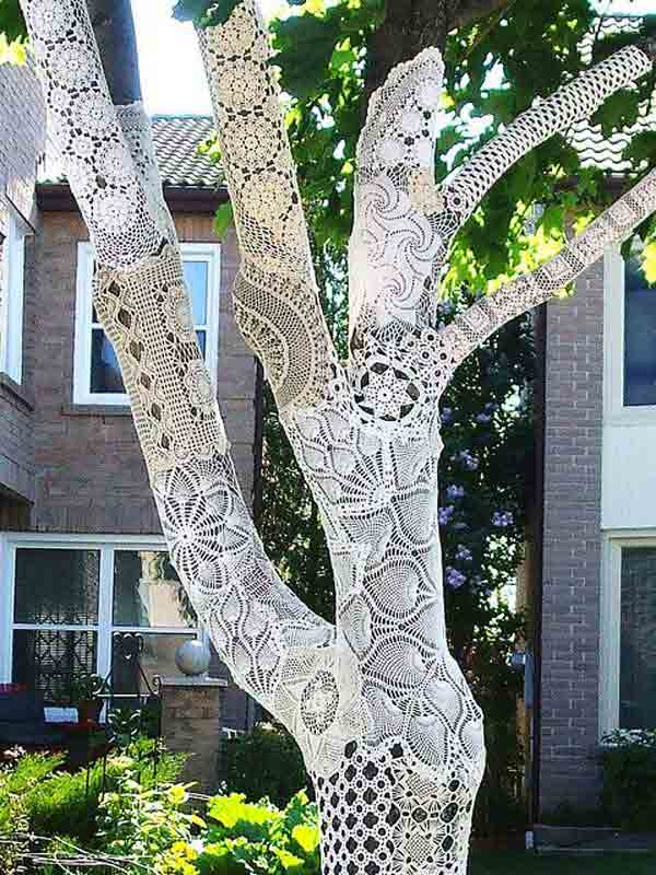 22 Mesmerizing Homemade DIY Lace Crafts To Beautify Your Home usefuldiyprojects.com (2)