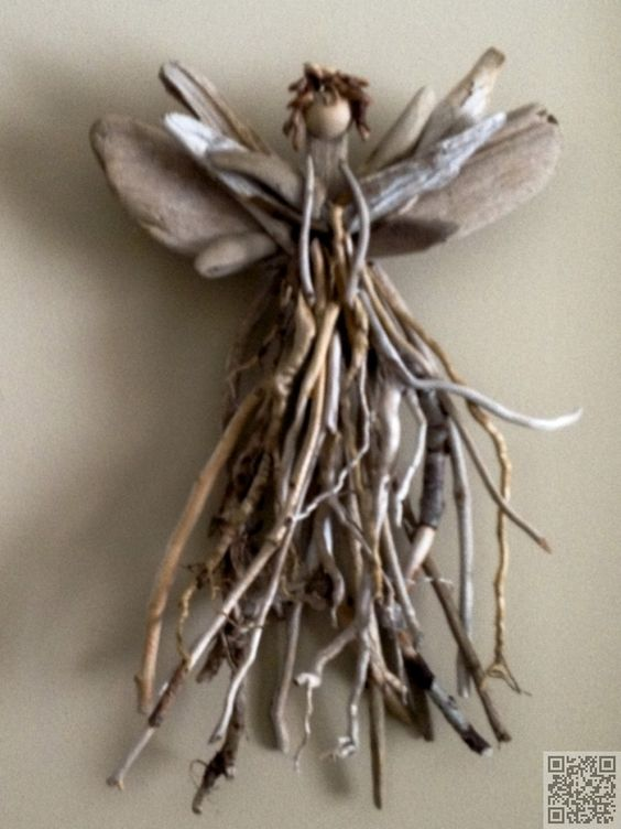15 diy driftwood diy art to create stunning decors for Driftwood crafts to make