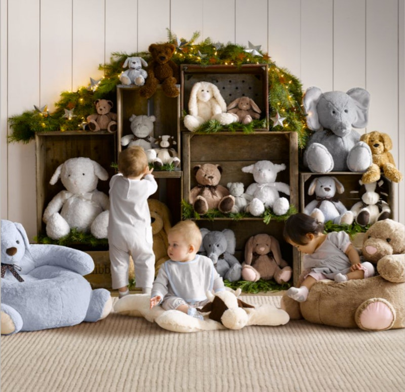 Top 40 stuffed animal storage ideas to consider useful diy projects use wooden crates to form a stuffed animal storage unit solutioingenieria Image collections