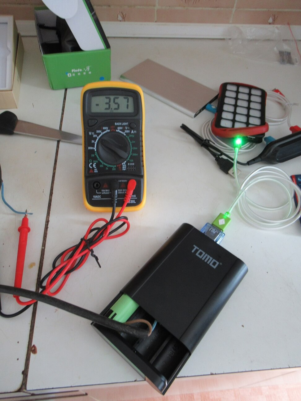 hight resolution of check voltage on 18650 li ion battery