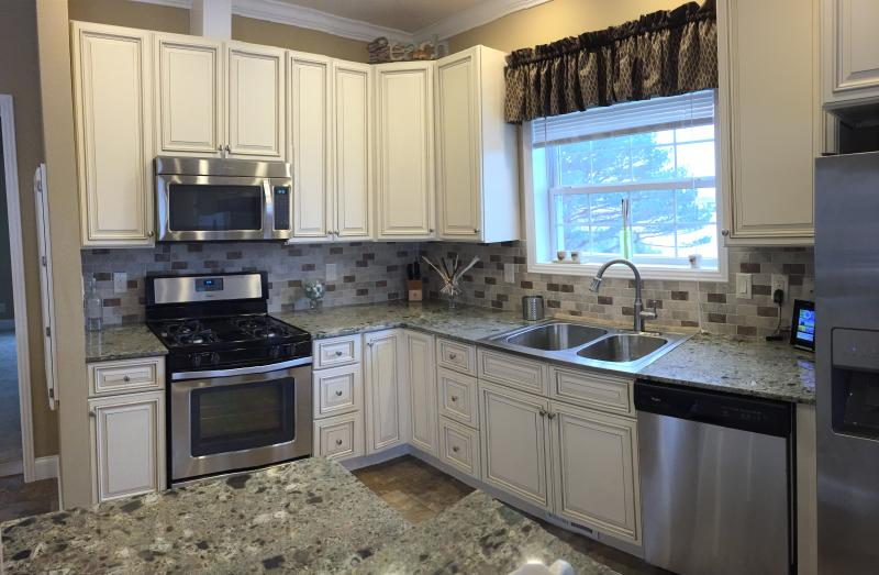 kitchen cabinets white island designs with seating cambridge rta cabinet store