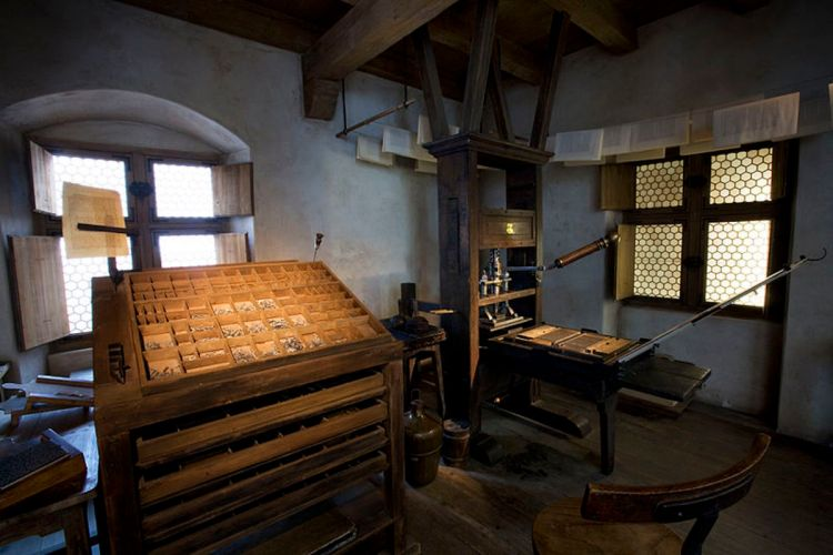 Johannes Gutenberg and the Printing Press: Social ...