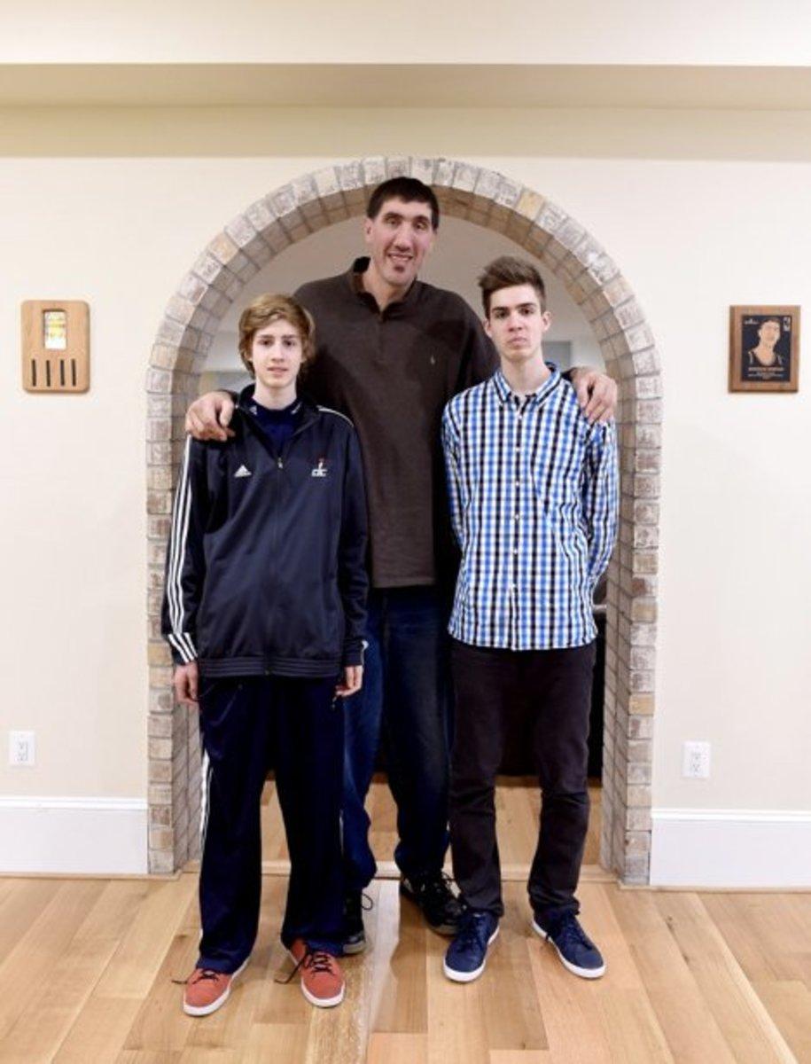 How Did Michael Jordan Get So Tall : michael, jordan, Chayanne, Height