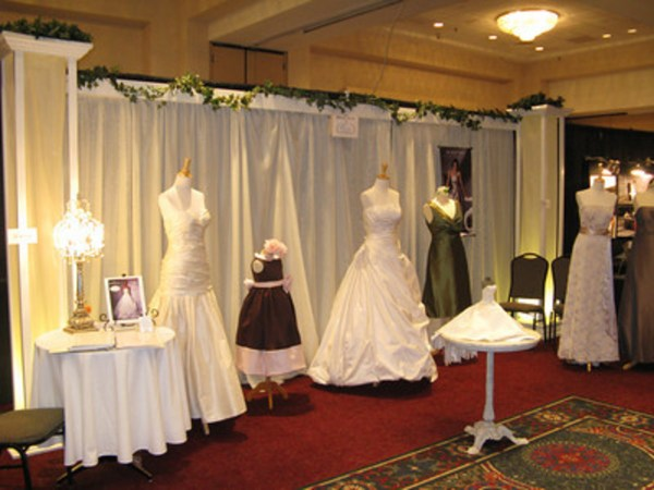 A Wedding Vendor's Ideas and Guide to Booths at a Bridal ...