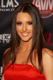 chestnut brown hair color and styles
