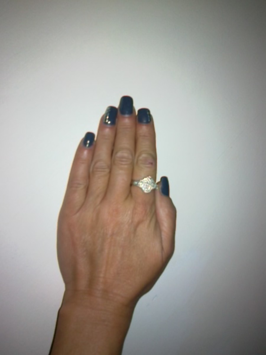 Step By Instructions On How To Apply A Full Set Of Acrylic Nails