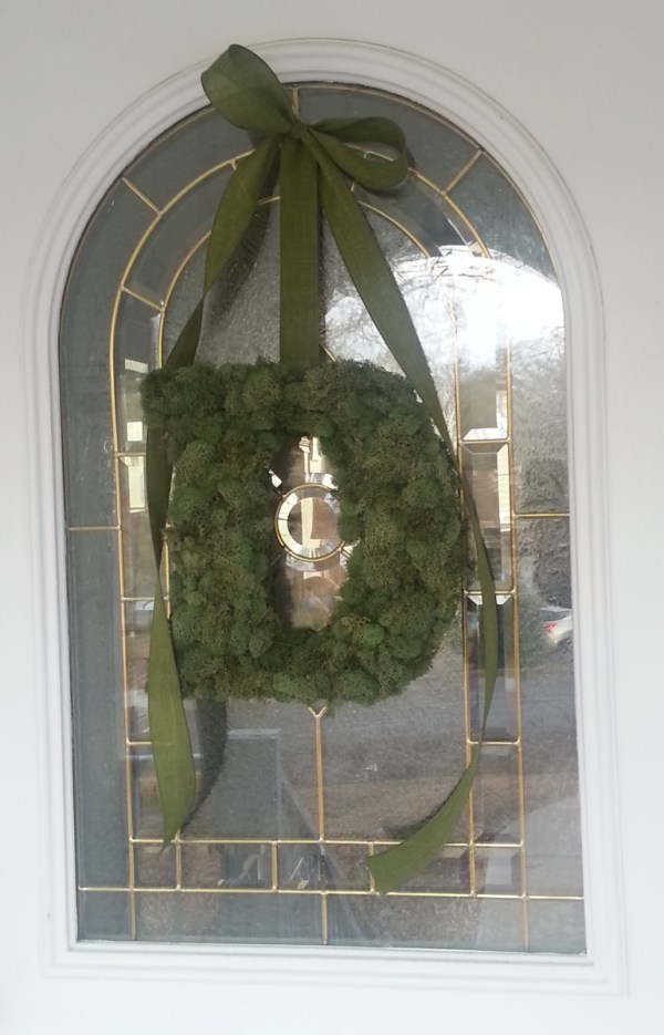 Make Moss Covered Monogram Wreath Feltmagnet