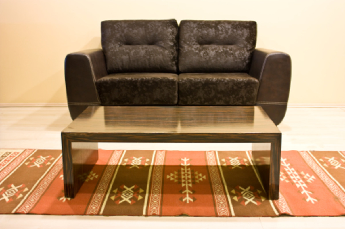 Glass coffee tables can provide an upbeat mood to almost any room.