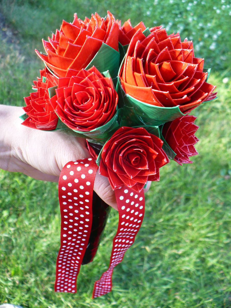 Craft Tutorial How to Make a Duct Tape Rose Bridal Bouquet