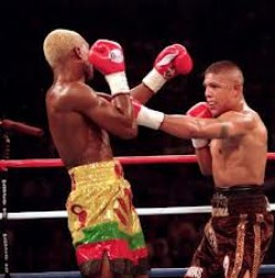 Ike Quartey and Fernando Vargas had a Jr. Middleweight brawl. Both boxers could box or brawl on the inside.