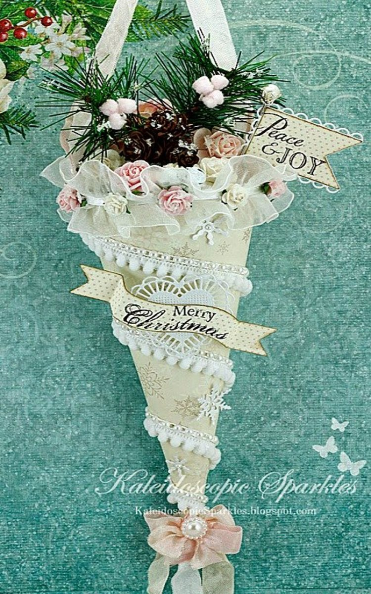 How to Make VictorianStyle Lace Christmas Ornaments