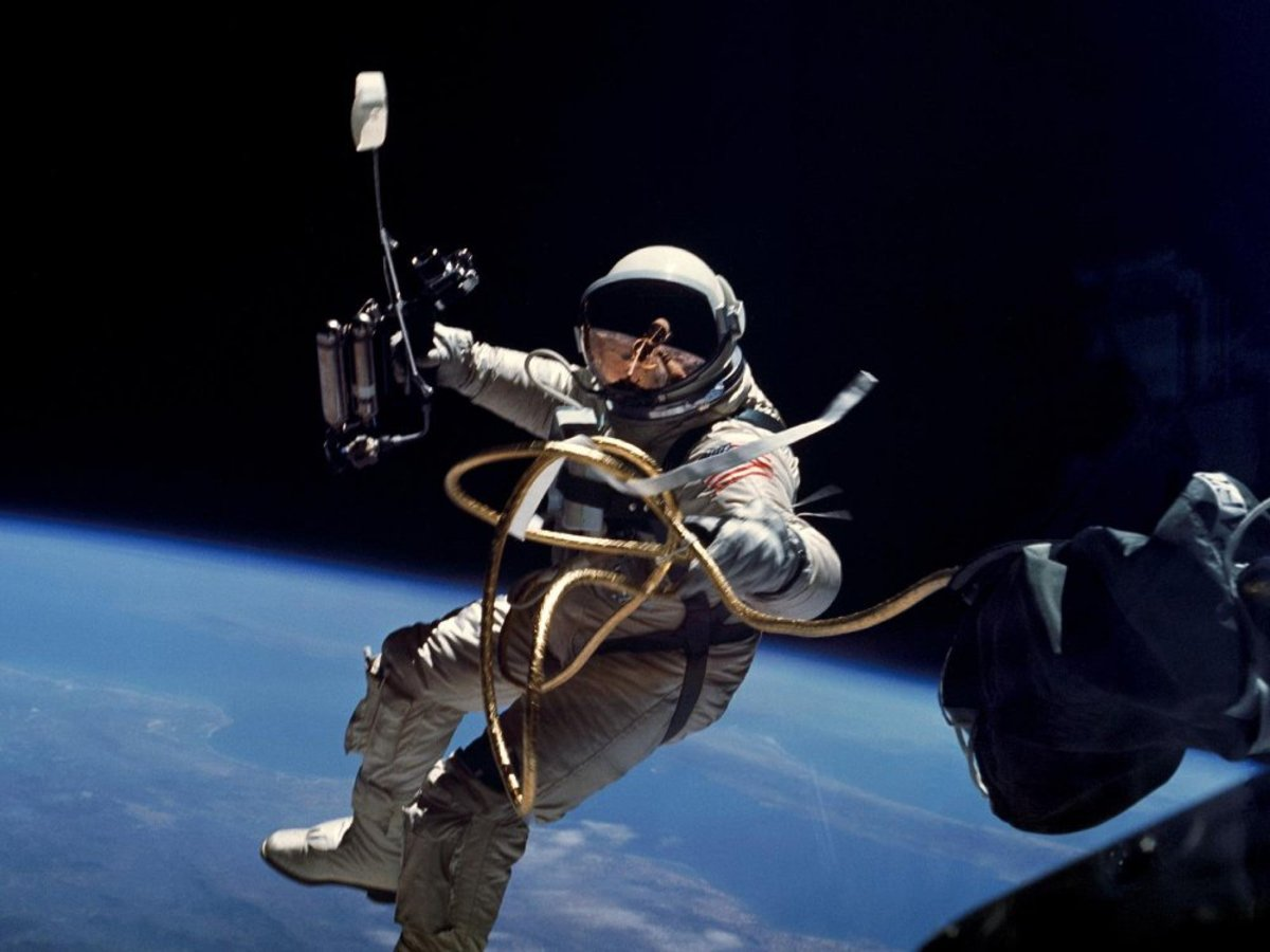 hight resolution of nasa project gemini space suit