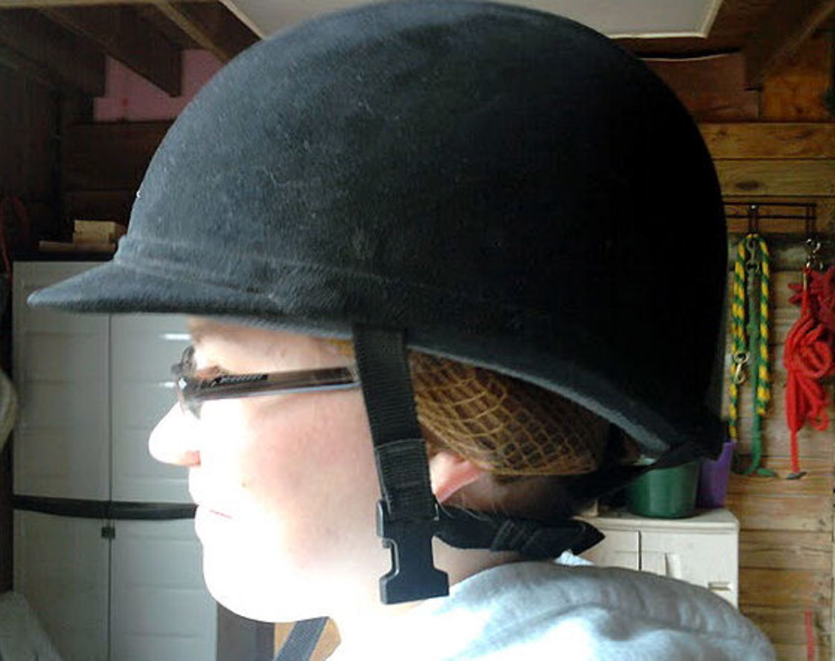 How to Put Hair up Under Riding Helmet in Less Than 1 ...